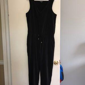 Women's black jumpsuit-Size Medium